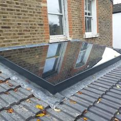 Lightwell & Lean-to Roofs · 1st Folding Sliding Doors House Extension Design, Roof Extension, Roof Design, House Design, Flat Roof Skylights, Lean To Roof, Roof Lantern, Laminated Glass, Roof Light