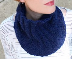 Ribbed Unisex Cowl [knitting pattern]