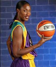 Sparks' Lisa Leslie and teammates brawl on the court - Media City Groove Basketball History, Basketball Legends, Basketball Players, Lisa Leslie, Queen Latifah Show, The Palace Of Auburn Hills, Candace Parker, Wow Words, Wnba