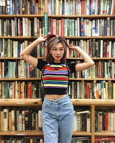 IAMKARENO focuses on fashion and beauty videos mostly, and does pretty cool tutorials and look books using daring bright colors. The fact that she is not afraid to change styles is pretty inspiring and manages to fulfill every taste.