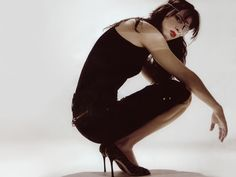 <3 her and everything about this outfit ..except I wouldn't wear the patch. only she can pull that off ...~Juliette Lewis