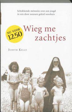 39/52 Wieg Me Zachtjes; Zeer aangrijpende schokkende autobiografie van een joods meisje in een katholiek weeshuis waar door de nonnen een psychologisch terreurbewind wordt gevoerd. Het boek blijft je lang bij.