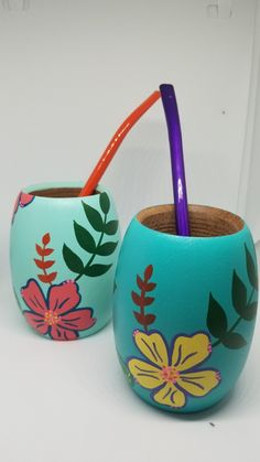 Painted Plant Pots, Painted Flower Pots, Flower Pot Crafts, Clay Pot Crafts, Crafts To Sell, Diy And Crafts, Arts And Crafts, Painted Mason Jars, Mason Jar Diy