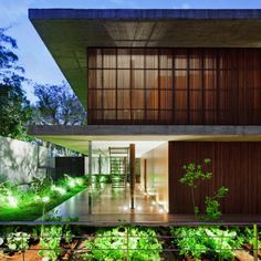 """Shortlisted in the """"villas"""" category at the 2012 World Architecture Festival, Toblerone House by Studio is an exceptionally designed modern home loc Modern Japanese Architecture, World Architecture Festival, Architecture Résidentielle, Tropical Architecture, Amazing Architecture, Modern House Design, Home Design, Toblerone, Exterior Design"""