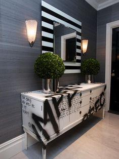 Restaurar repaginar reciclar móveis Graffiti Furniture, Funky Furniture, Furniture Makeover, Painted Furniture, Furniture Design, Gold Leaf Furniture, Painted Dressers, Plywood Furniture, Repurposed Furniture