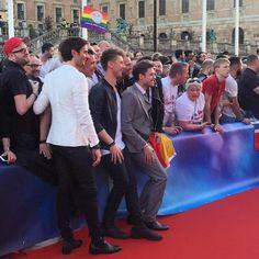 Søndag aften blev Eurovision for alvor skudt i gang i Stockholm og med på den røde løber var selvfølgelig de tre danske drenge fra Lighthouse X. På torsdag skal de repræsentere Danmark i semifinalen og Ritzau Fokus rapporterer selvfølgelig undervejs #eurovision #eurovision2016 #stockholm #lighthousex #soldiersoflove #denmark #music #ritzaufokus by ritzaufokus