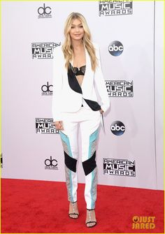 Gigi Hadid is on Her Best Model Behavior at American Music Awards 2014