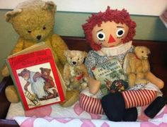 Collection of vintage children's books, Steiff bears, vintage quilt and Raggedy Ann doll