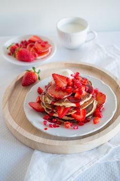SUGARTOWN: Kynuté špaldové lívance s jahodovým sirupem/Spelt pancakes with strawberry syrup