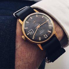 Mens watch Cornavin Water proof watch 17 jewels watch for Gents Watches, Watches For Men, Wrist Watches, Russian Men, Nato Strap, Watch Case, Vintage Watches, Omega Watch, Jewels