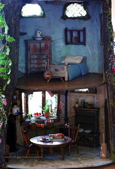 mouse house - my mother made dollhouses and would have loved making something like this one.