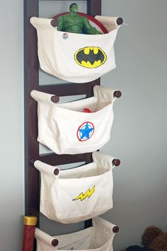 Boy Superhero Bedroom |countingwillows.com