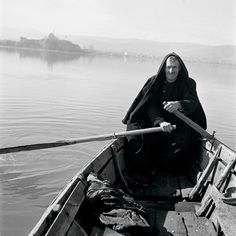 """srednod: """" Fisherman on the Lake of Ioannina - Papaioannou Voula Th. Benaki Museum, Greek History, Famous Photographers, Virtual Tour, Black And White Photography, Athens, Old World, Old Photos, The Past"""