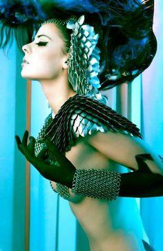 avant-garde fashion, futuristic accessories, gentle armour R Lady Like, Madeleine Vionnet, Fashion Art, Editorial Fashion, Fashion Design, Crazy Fashion, Trendy Fashion, Art Visage, High Fashion Photography