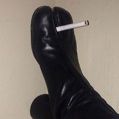 MMM Maison Margiela smoking shoe camel toe.