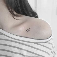 mini tattoos with meaning ; mini tattoos for girls with meaning ; mini tattoos for women Tiny Tattoos For Girls, Cute Tiny Tattoos, Dainty Tattoos, Little Tattoos, Pretty Tattoos, Tattoo Girls, Tattoos For Women, Awesome Tattoos, Gorgeous Tattoos
