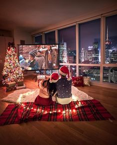 Fashionaddict ( fashiongoalsz ) - Christmas Nights 🎄 Tag someone who would love this ☝️ By ✨ Christmas Date, Cosy Christmas, Christmas Feeling, Christmas Couple, Christmas Night, Christmas Movies, Christmas Photos, Couple Christmas Pictures, Xmas