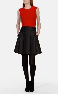 Neu in Bekleidung | Rot Strickmodell in getupfter Streifen- und Bänderoptik | Damenmode | Karen Millen