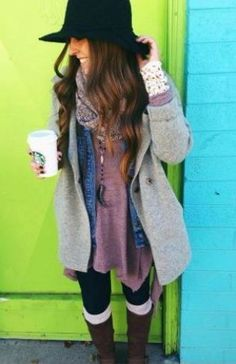 25 Winter Date Night Outfits To Copy Right Now Layering up is a great idea for winter date night outfits! 25 Winter Date Night Outfits To Copy Right Now Layering up is a great idea for winter date night outfits! Hippie Style, Style Boho, My Style, Style Pic, Winter Date Night Outfits, Cold Weather Outfits, Winter Outfits, Chilly Weather, Winter Layering Outfits