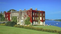 | 10 National Trust Gardens in Wales