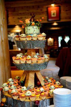 fall wedding cakes ideas, October wedding food inspiration, Autumn wedding wood decor ideas