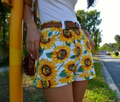 SUNFLOWER shorts --> http://jasminaparade.com/2014/01/26/sunflower/