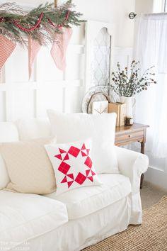 Farmhouse Inspired christmas living room decor ideas