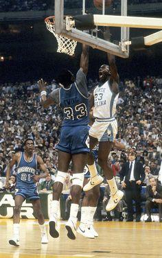 Patrick Ewing (Georgetown) and Michael Jordan (North Carolina) Michael Jordan Unc, Michael Jordan Photos, Michael Jordan Basketball, Jordan 23, Basketball Legends, Sports Basketball, College Basketball, Basketball Players, Basketball Jones