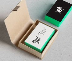 20 Minimalistic & Professional Business Card Designs