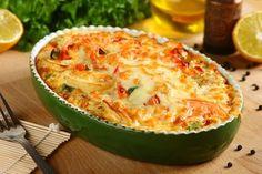 Przepis na Zapiekanka ziemniaczano – rybna Fish Dishes, Avocado Egg, Fish And Seafood, Quiche, Macaroni And Cheese, Zucchini, Food And Drink, Vegetables, Cooking