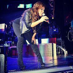 Love her boots Jenny Rivera, Celebrity Singers, Celebrity Couples, Shaytards, Princesa Disney, Romeo Santos, Selena Quintanilla, Daddy Yankee, Cool Boots