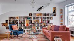 Casa é especialmente projetada para as duas paixões do dono: gatos e livros - 03/10/2017 - UOL Estilo de vida