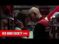 Griffin Gluck talks his favorite scene from the Red Band Society premiere and puts Charlie Rowe on the spot! ;)