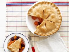 Peach-Blackberry Pie recipe from Bobby Flay via Food Network Peach Blueberry Pie, Blackberry Pie Recipes, Summer Dessert Recipes, Just Desserts, Party Desserts, Dessert Ideas, Delicious Desserts, Food Network Recipes, Food Processor Recipes