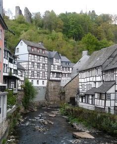 Monschau - ein historisches Kleinod mitten in der Eifel #monschau #eifel #deinnrw