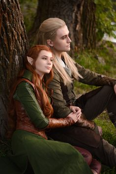 """kamikame-cosplay: """"Legolas & Tauriel from The Hobbit by, Lucky Strike cosplay """" Thranduil, Legolas And Tauriel, Amazing Cosplay, Best Cosplay, Tattoo Grafik, Hobbit Cosplay, Couples Cosplay, O Hobbit, Cosplay Anime"""