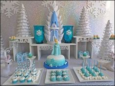 mesa de postres fiesta pinata cumpleanos de frozen (11) | Curso de organizacion de hogar aprenda a ser organizado en poco tiempo | https://lomejordelaweb.es/