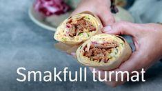 Wrap med pulled pork, sommerkål-slaw og rødløk Pulled Pork, Sandwiches, Wraps, Lunch, Ethnic Recipes, Food, Shredded Pork, Eat Lunch, Paninis