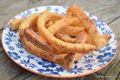 Saratele cordeluta cu branza si untura reteta savori urbane Onion Rings, Unt, Bacon, Deserts, Food And Drink, Dessert Recipes, Appetizers, Breakfast, Ethnic Recipes