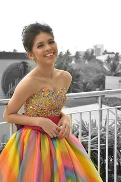 Maine Mendoza as Elsa - Ynnam Maine Mendoza Outfit, Strapless Dress Formal, Prom Dresses, Formal Dresses, Celebs, Celebrities, Ball Gowns, Actresses, Outfits
