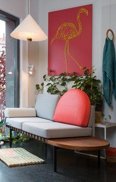 Sofa GRID und Lampe CHERRY von Petite Friture