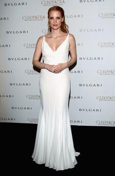 #JessicaChastain acudió al cóctel de la película, continuando con el blanco, más sencilla e igual de deslumbrante, firmado por #Givenchy.