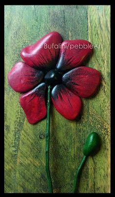 Flower: Pebble Art - Michela Bufalini-This is awesome. Pebble Painting, Pebble Art, Stone Painting, Rock Painting, Stone Crafts, Rock Crafts, Pebble Stone, Stone Art, Rock Flowers