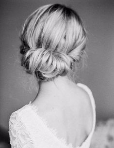 Wedding Hairstyles Updo - Searching for the perfect hair inspiration for your big day? Get inspired by these gorgeous wedding hairstyles that will leave any bride tressed to impress! We've got a whole lotta hair inspiration ready to be devour. Best Wedding Hairstyles, Bride Hairstyles, Pretty Hairstyles, Hairstyle Ideas, Bridesmaid Hairstyles, Hairstyle Wedding, Lower Bun Hairstyles, Evening Hairstyles, Long Hairstyles