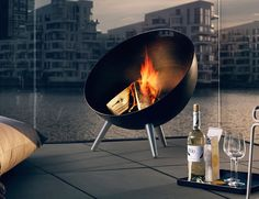 Setting up that crackerjack fireplace at your immediate outdoor space will be super easy if you use the Fireglobe Fireplace by Eva Solo.