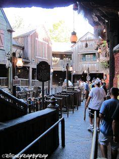 Splash Mountain - Loading Area Disney Trips, Disney Parks, Walt Disney World, Splash Mountain, Disney And More, Disney Love, Disney Magic Kingdom, Happy Design, Epcot