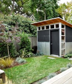 Modern shed -- perfect for my garden.
