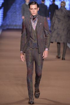 Etro Men's RTW Fall 2014 - Slideshow - Runway, Fashion Week, Fashion Shows, Reviews and Fashion Images - WWD.com