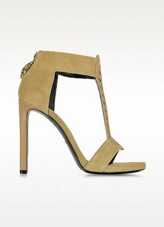 €300.00 | Althea Tan Suede Sandal is elegantly seductive sandals that can pair with everything from jeans to body hugging dresses. Featuring open toe T strap design with feathered leather stitching on vamp, back zip closure with iconic serpent pull, covered square heel and leather sole. Signature dust bag and box included. Made in Italy.