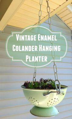 Vintage enamel colander hanging planter http://www.hometalk.com/l/Bs2